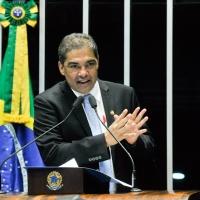 Hélio José destaca necessidade de prevenção de doenças renais