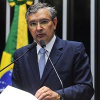 Eduardo Amorim alerta para crise no atendimento a doentes renais crônicos